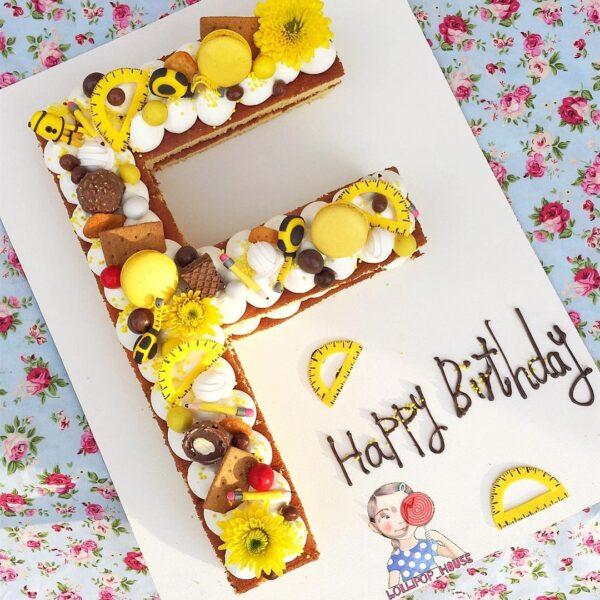 کیک مهندسی حروف