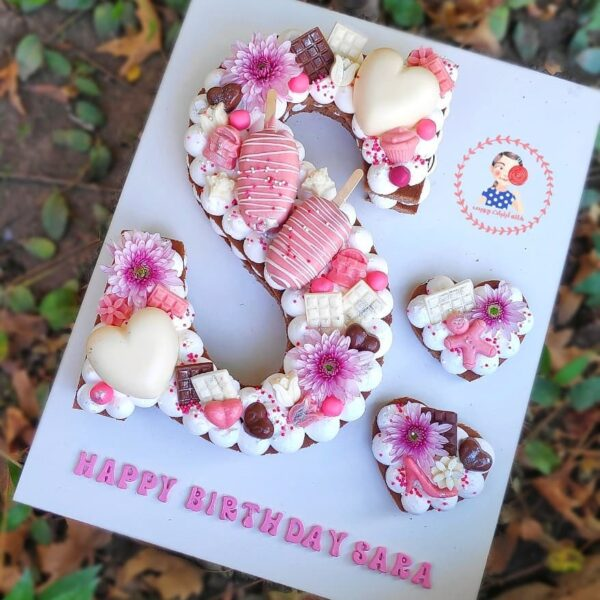 کیک بستنی و قلب