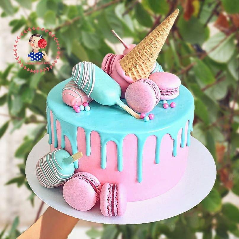 کیک-خامه-ای-بستنی-چوبی-صورتی
