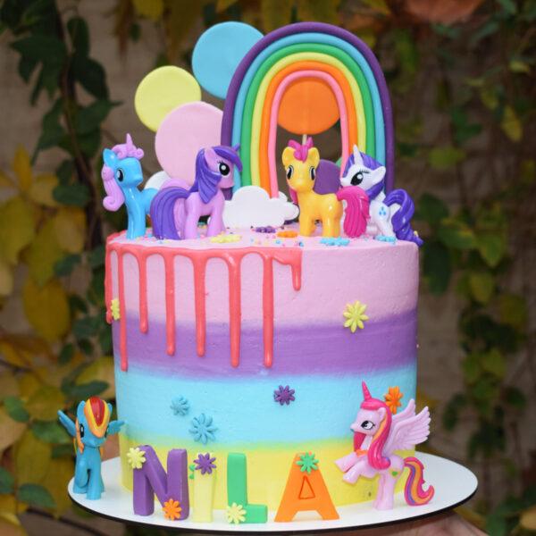 کیک زیبای اسب تک شاخ