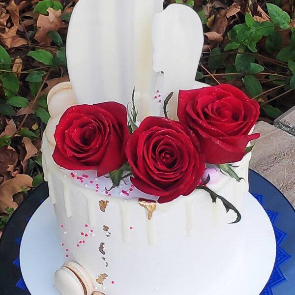 کیک تولد خامه ای با دیزاین گل