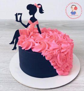 کیک خامه ای دخترانه با تاپر باربی