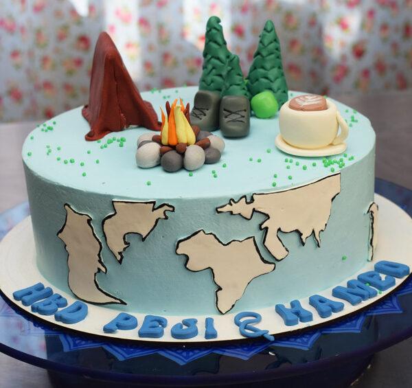 کیک تولد طبیعت گردی و مسافرت