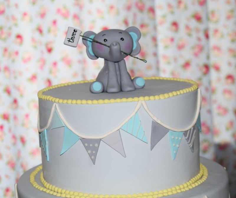 کیک زیبای تولد فیل