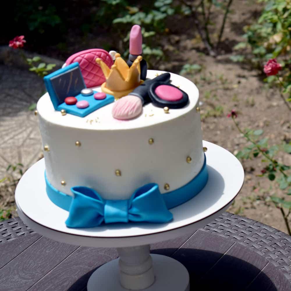 کیک لوازم آرایشی مخصوص خانم های جذاب